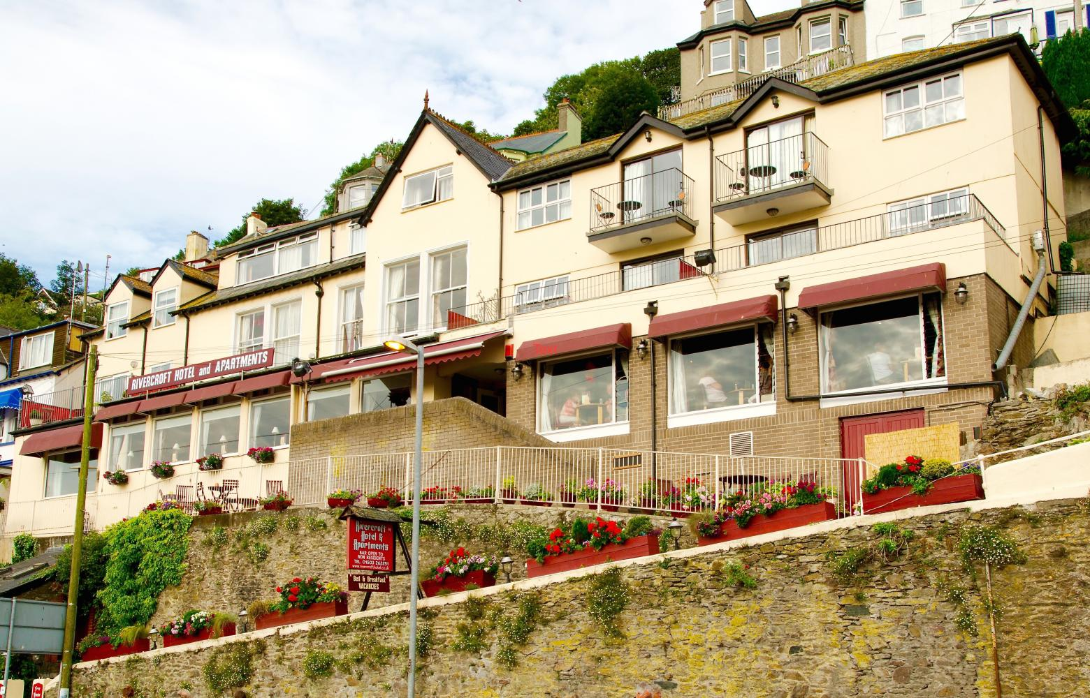 Rivercroft Hotel and Apartments